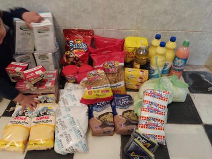 2020 Mayo, entrega de alimentos y útiles a 2 Comunidades Educativas.