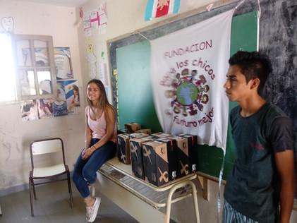 2018 Diciembre, en la escuela de Barrialito, cerrando el año, llevando algunos regalos muy bien mere