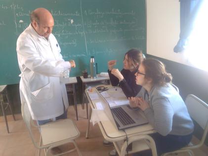 2017 Agosto, Escuela de El Cachi cuando recibieron a los médicos de la UBA.