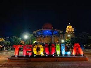 TEQUILA DE NOCHE.jpg