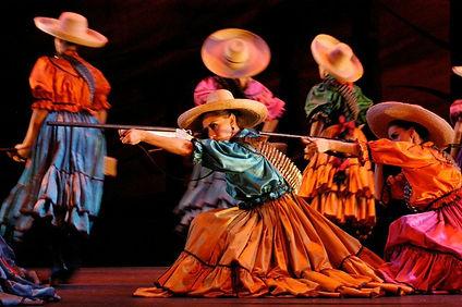 MEX_FOLKLORE_BALLET_Revolución.jpg