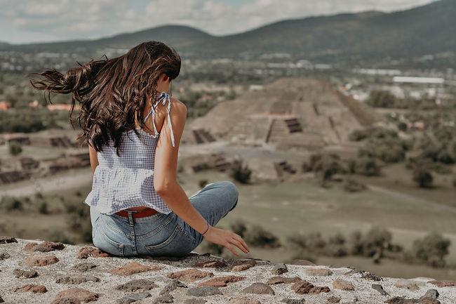 Mujeres Piramides de Teotihuacan Pyramid