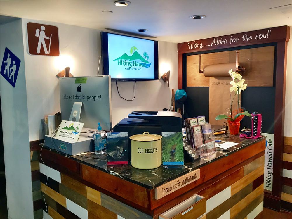 Hiking Tour Booking Desk