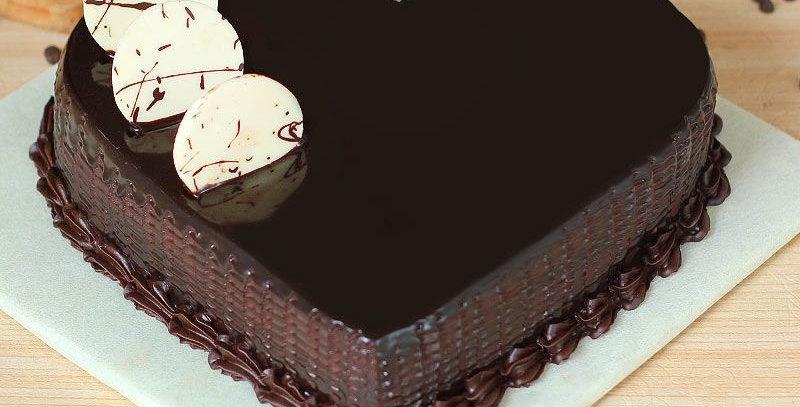 Heart Shape Flavour Chocolate Cake