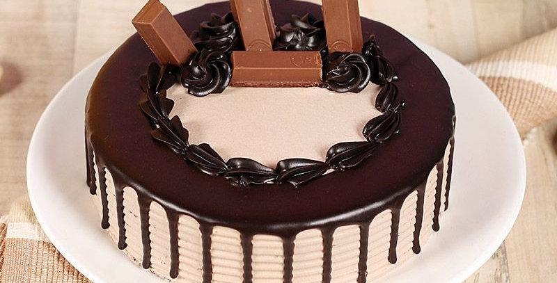 Special KitKat Choco Cake
