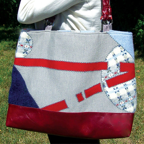 Totable Art Bag Pattern (Print)