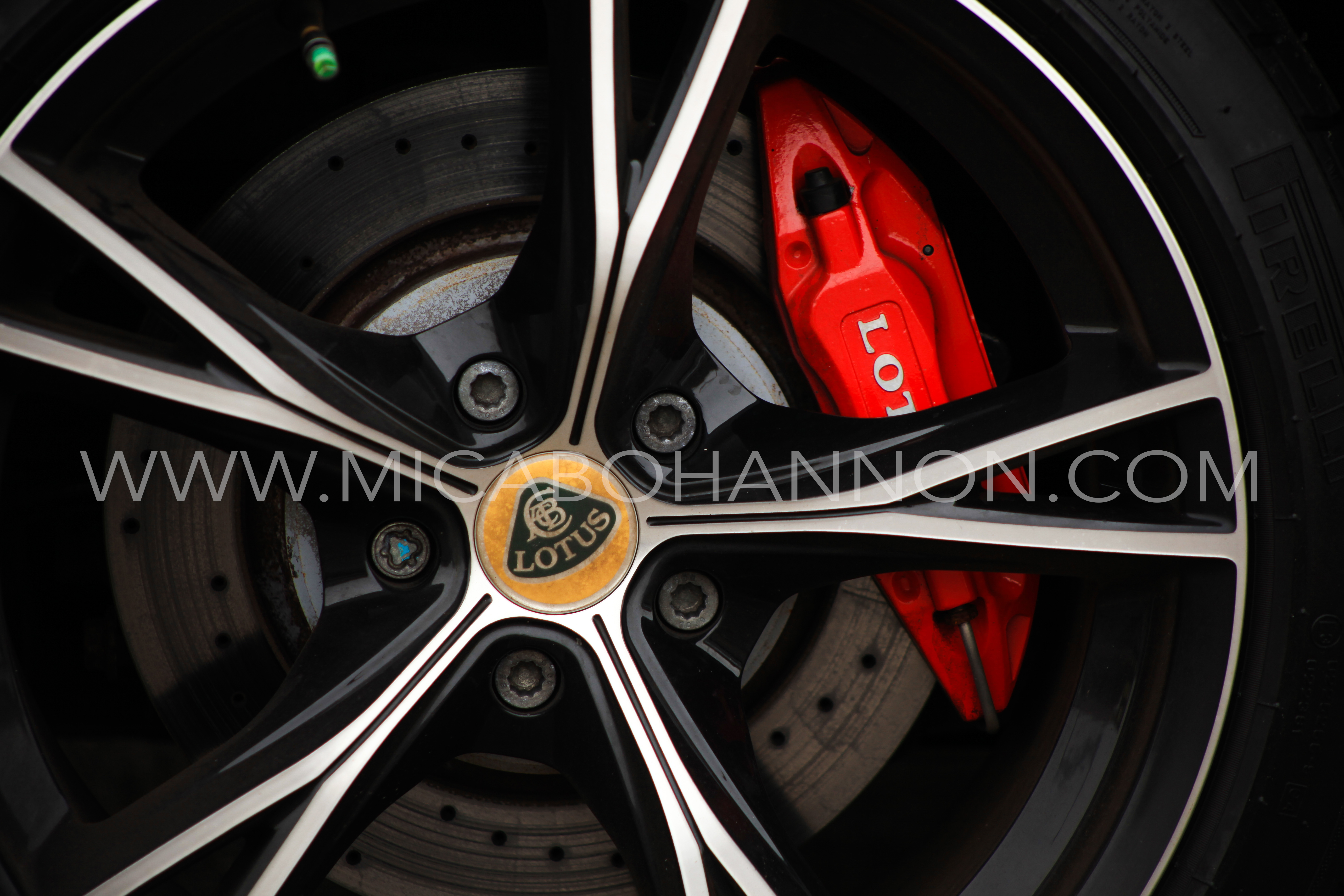 lotus alloy wheels and break disk