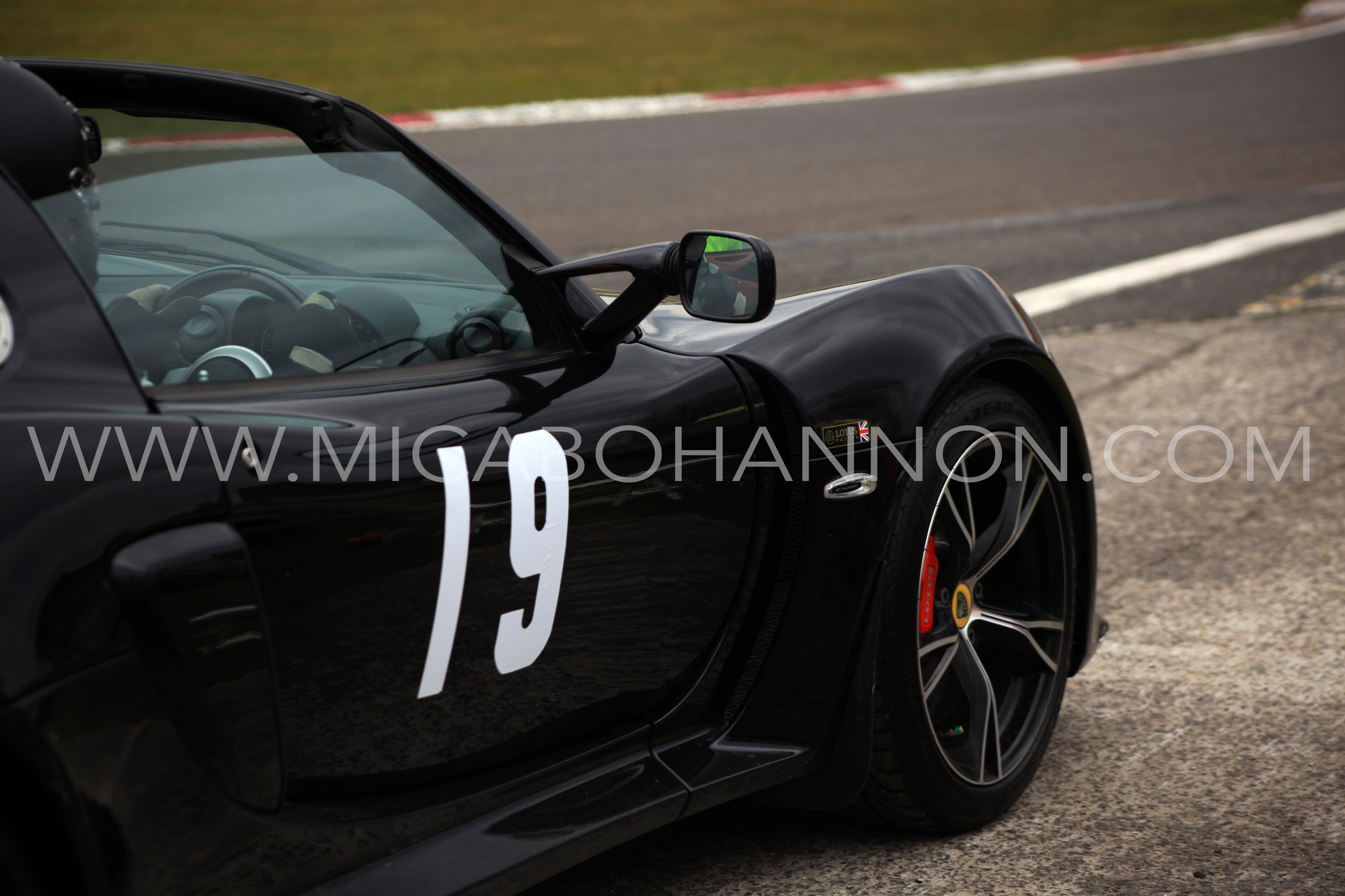 black car number 19