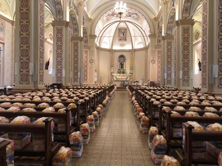 Casa Pão dos Pobres da Paróquia Santo Antônio recebe mais de 23 toneladas de alimentos