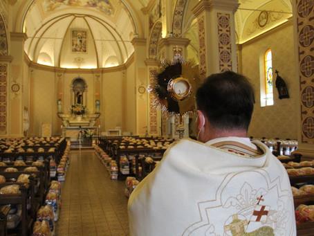 Paróquia Santo Antônio de Bento motiva para doação de alimentos na Solenidade de Corpus Christi