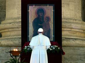 """""""Temos uma âncora: na sua cruz, fomos salvos"""", encoraja o Papa Francisco durante bênção Urbi et Orbi"""