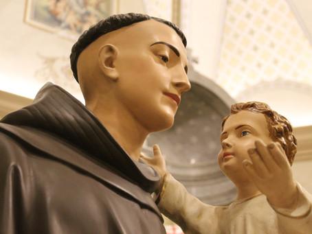 Dia Festivo de Santo Antônio terá cinco Missas e carreata com a imagem do Padroeiro, em Bento