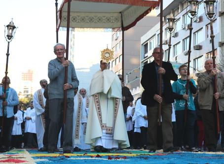 Paróquia Santo Antônio convida comunidade a saudar a passagem do Santíssimo no Corpus Christi