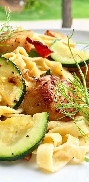 Fresh Linguini with Seared Scallops, Zuccini, Bacon, Fennel Crem Sauce