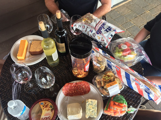 4 Loudoun County Wineries Perfect for a Picnic