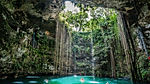 Venerati dai maya perché costituivano una preziosa riserva d'acqua dolce e considerati una porta di comunicazione con gli dei, i Cenote sono piscine naturali, formate per effetto dell'erosione nel terreno calcareo. Ma considerarle piscine naturali è forse riduttivo perché i cenotes sparsi nella foresta tropicale della zona dello Yucatan in Messico sono solo le parti visibili di una rete intricata di caverne e fiumi sotterranei che giungono fino al mare. Questo spiega come mai in certi cenotes si trovi acqua salata e pesci marini.