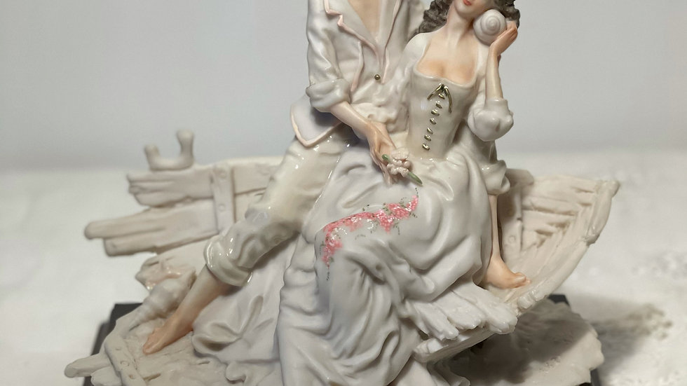 Statue: Bride and Groom at the Beach