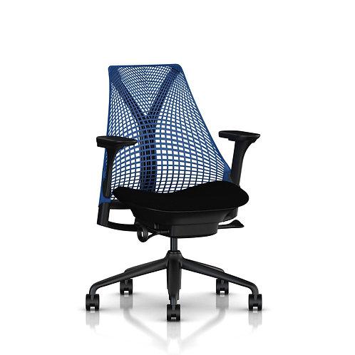 Herman Miller, Sayl Çalışma Koltuğu Siyah Oturma / Mavi Sırt