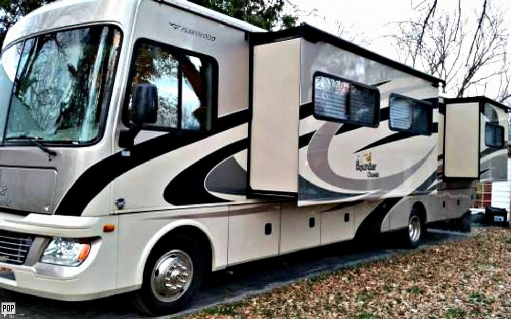 RV for Sale - 2011 Bounder Classic 34B