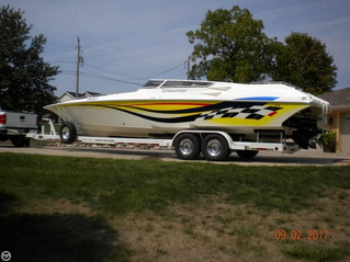 Boat for Sale - 2004 Fountain Lightning 35