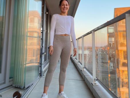 10x yoga & stretch oefeningen om thuis te doen (video)