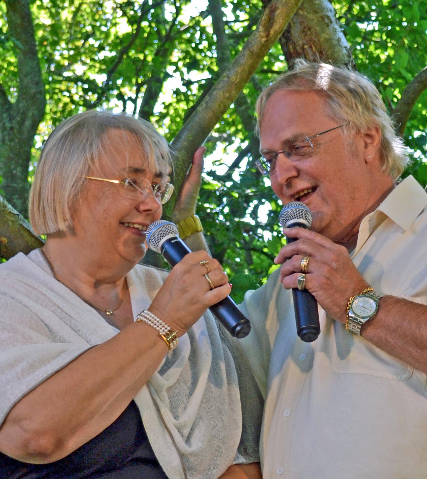 Agnethe & Poul Henning  i haven