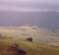 Fortifications protohistoriques, cap barré du Castelas par temps brumeux