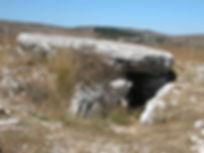 dolmen, dolmen à accès coudé, dolmen avec couloir formant un coude