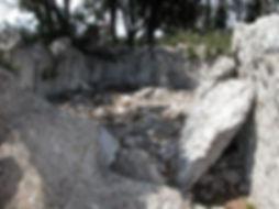 dolmen, allée couverte (très long dolmen), fond de la cella ou chambre mortuaire