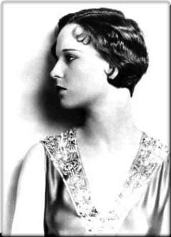 Portrait photographique de la très belle Louise Brooks.