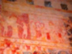 Anciennes peintures sur les murs de la chapelle de Centeilles. Ici, deux scènes de la vie du Christ.