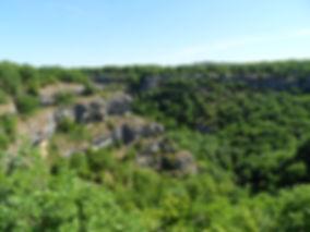 Vallée de la rivière Alzou en été