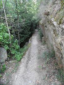 Photo montrant une autre partie du chemin des gorges de San Jaume. Lien vers la seconde page sur ces gorges.