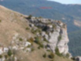 fortifications protohistoriques, cap (ou éperon) barrée du Cayla côté falaises.