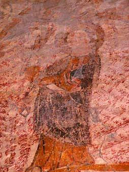 Anciennes peintures sur les murs de la chapelle de Centeilles. Ici, la Vierge Marie lors de l'Annonciation.
