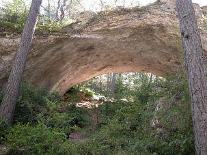 Arche de pierre naturelle 1, voûte de pierre dans la forête