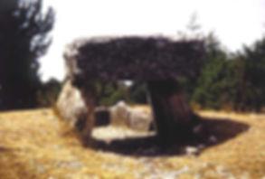 Dolmen, dolmen à dalle massive, dolmen à dalle très lourde