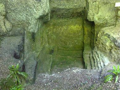 Carrière de sarcophages de l'époque mérovingienne.