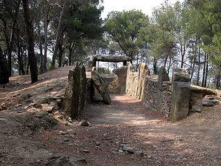 dolmen, allée couverte, vue en perspective