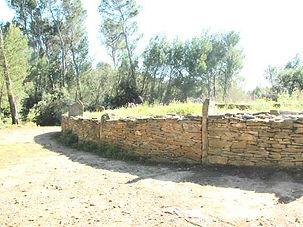 dolmen, tumulus, vue en perspective du tumulus