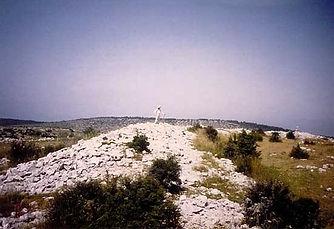Fortifications protohistoriques, enceinte fortifiée de Drigas, vue des vestiges du mur 1