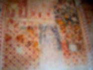 Anciennes peintures sur les murs de la chapelle de Centeille. Ici, un motid décortaid sur lequel ont été superposées des scènes religieuses.