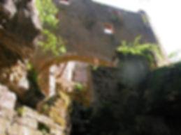 Moulin du Saut dans la vallée de l'Alzou. vue rapprochée.