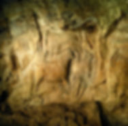 Vue d'une partie du bas-relief magdalénien du Roc-aux-Sorciers, près d'Angles -sur -l'Anglin.