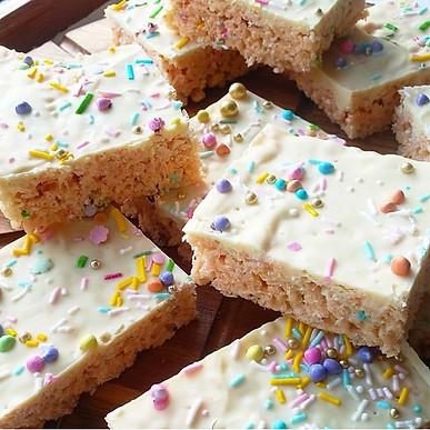 White Chocolate Krisipie Squares