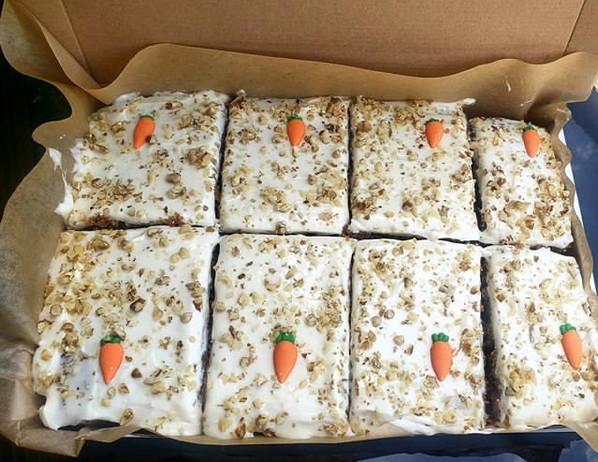 Carrot Cake Traybake