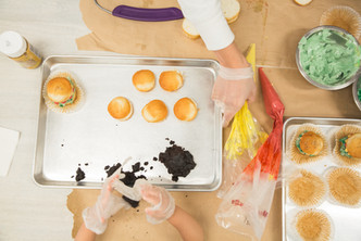 private class(burger cup cakes)