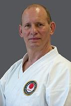 Joerg Kohl; SV Tora Berlin; 7. DAN; Karate leicht erlernt; gelb; orange; grün; blau; galabuch.com
