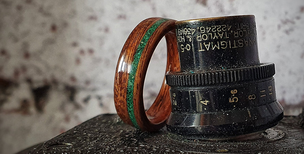 Santos Rosewood with an Offset Fine Crushed Malachite Inlay