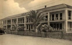 1930's Tarpon Inn.jpg